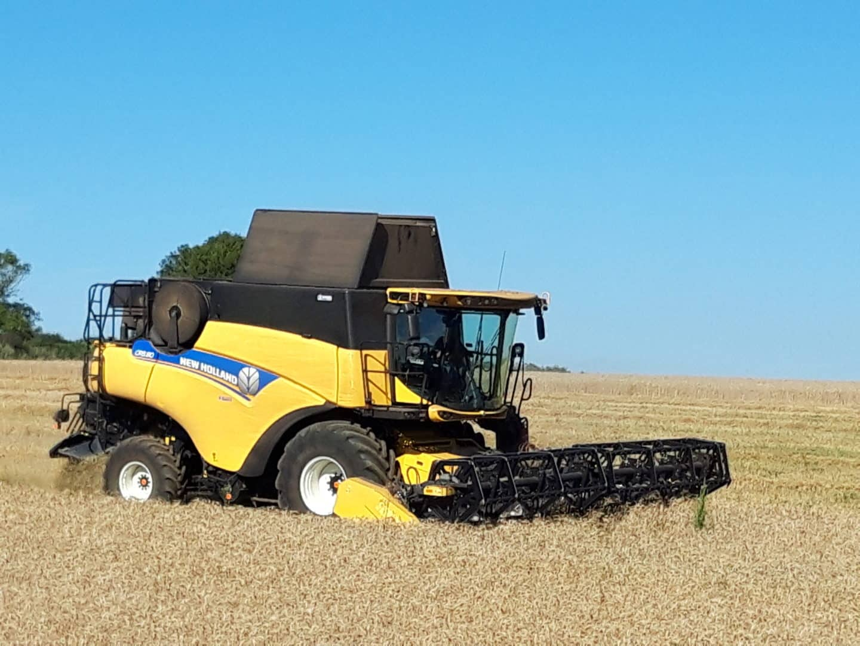 travaux agricoles moissonneuse - Accueil